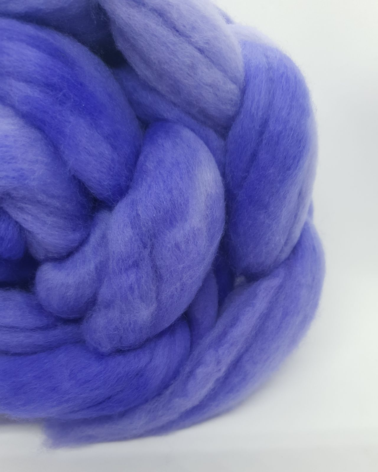 Pharaoh Purple roving